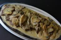 Μοσχάρι με μανιτάρια α λα κρεμ